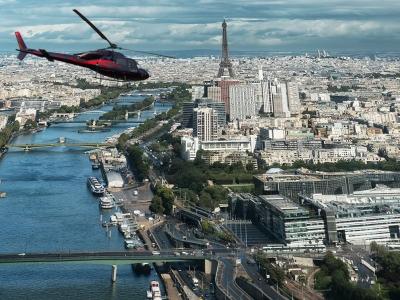 Admirez le sud de Paris et le chateau de Versailles en hélicoptère - Au départ de Cerny dans l'Esson