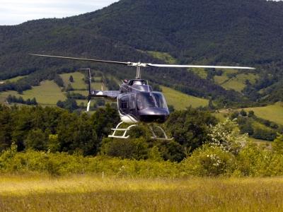 Balade en hélicoptère près de Valence, vol privatisé pour 5 personnes - Survol des Montagnes Ardécho