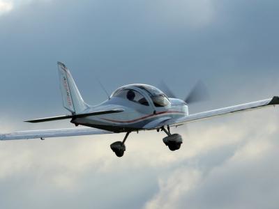 Baptême avion ultraléger (ULM multiaxes) avec une véritable initiation au pilotage - près de Lille d