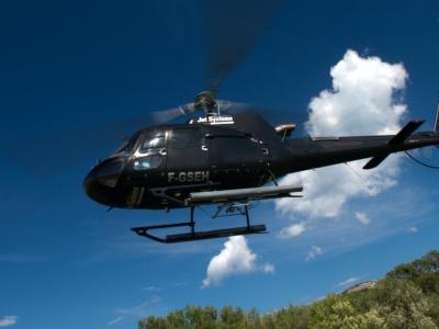 Baptême hélicoptère près de Porto-Vecchio - Tour d'hélico au-dessus de la Corse du Sud - 10 minutes