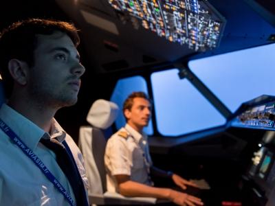 Vous voulez prendre les commandes d'un simulateur d'avion de ligne près de Toulouse? - Nouveau: Pilo